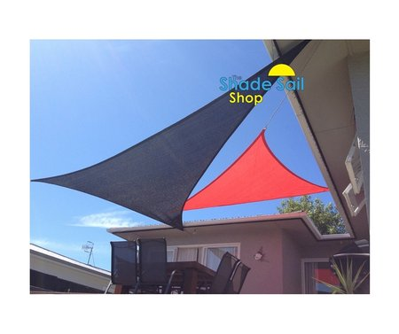 Our customer Jade from NZ has sent in her great pictures of a 4x4x4m in Red and a right angle 4x5x6.4m in Black Shade Sail. Great installation pictures and colours look good together.\\n\\n29/02/2016 2:57 PM