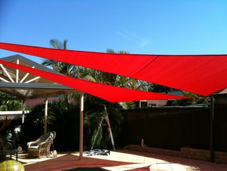 4m x 7m x 7m Red Triangle Shade Sails Steve has used 2 shade sails over his pool. A great colour if you are wanting contrasting colours in your backyard.\\n\\n18/10/2014 3:12 PM