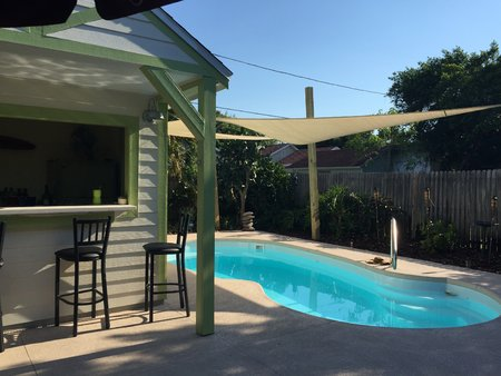 Jennifer from the USA has sent through her pictures of 2x 5x5x5m sand Shade Sail installed over her pool.\\n\\n10/05/2015 12:43 PM