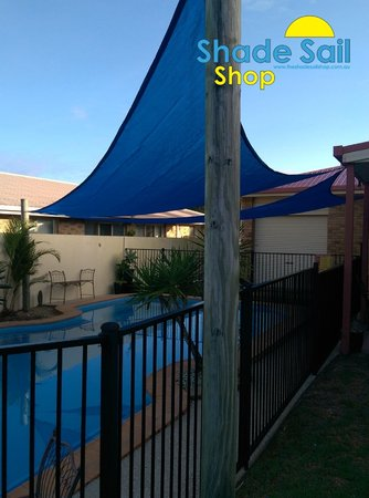 Thanks Sharon for sending these great photo's of you installed shade sails, looks fantastic. Size is right angle triangle shade sail in 5x6x7.8m navy blue.\\n\\n8/08/2016 1:58 PM